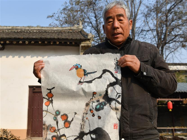 Local workshops keep tradition of papermaking in China's Shaanxi
