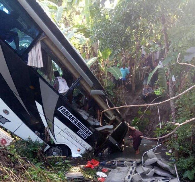 Bus crash kills 5, injures dozens in Indonesia's East Java