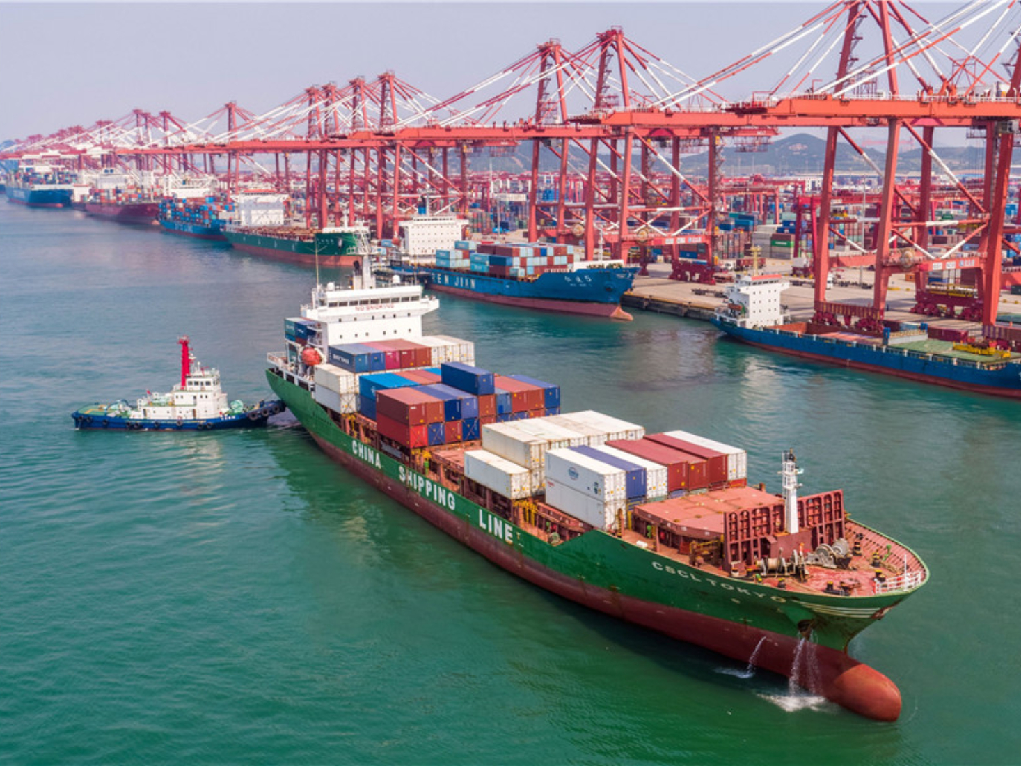 China's foreign trade up 2.4 pct in first 11 months