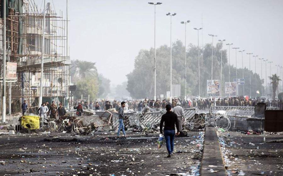 road barrier iraq (vcg).jpg