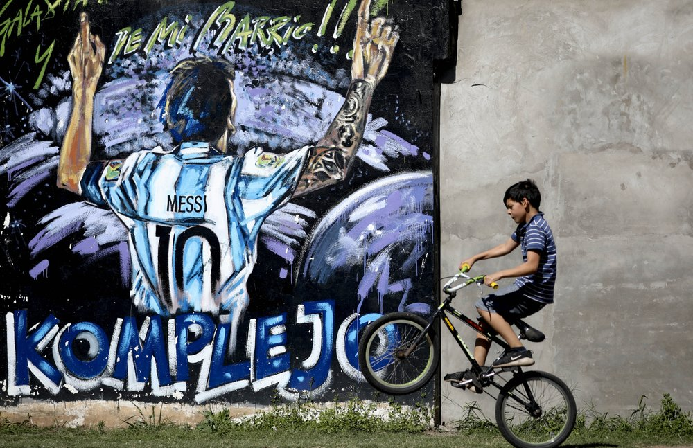 Messi's hometown offers emotional trip to his childhood
