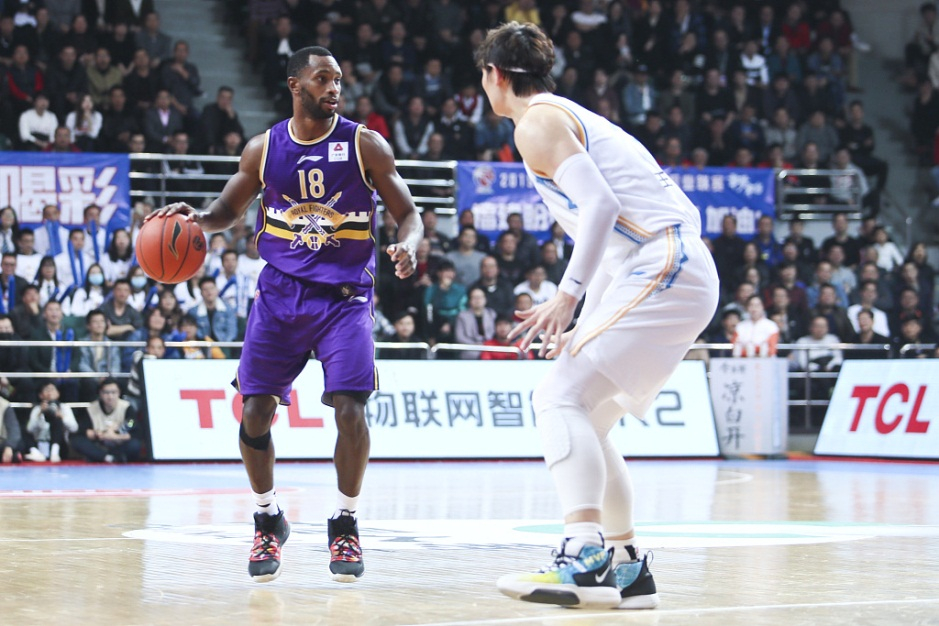 CBA: Fogg's 40 points lead Beikong back against Fujian