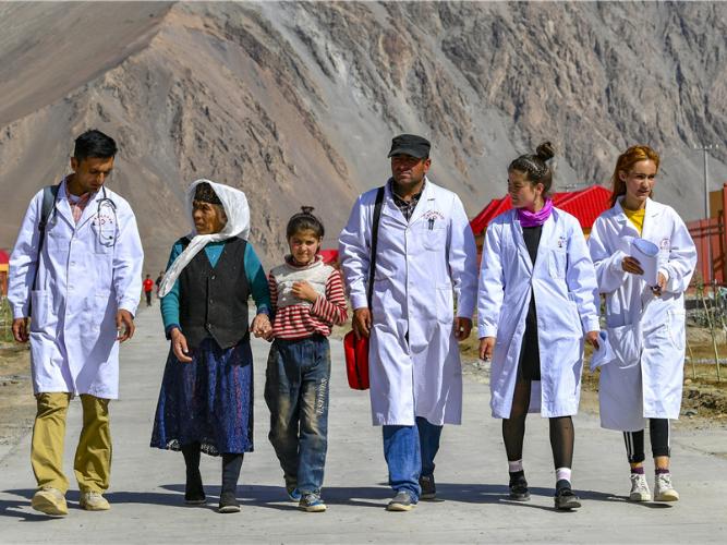 Volunteer medics a tonic for rural residents