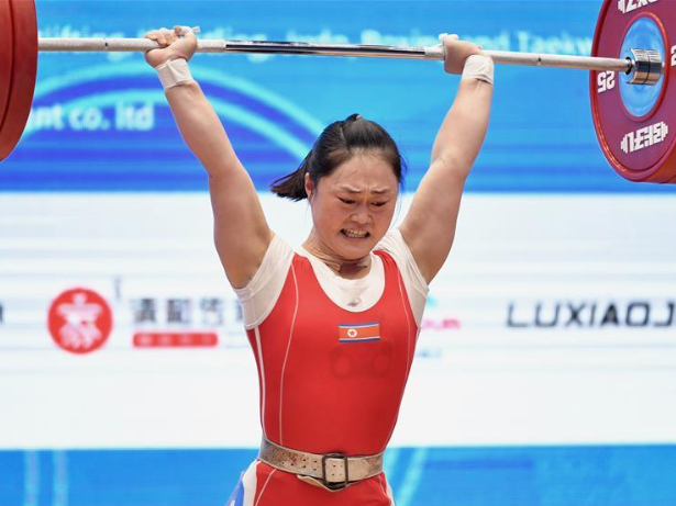 DPRK's Choe Hyo Sim wins women's 59kg match at 2019 IWF World Cup