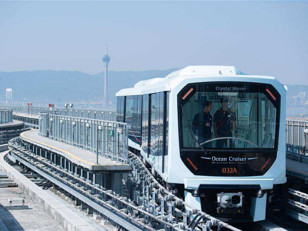 Light rail opens to public in China's Macao