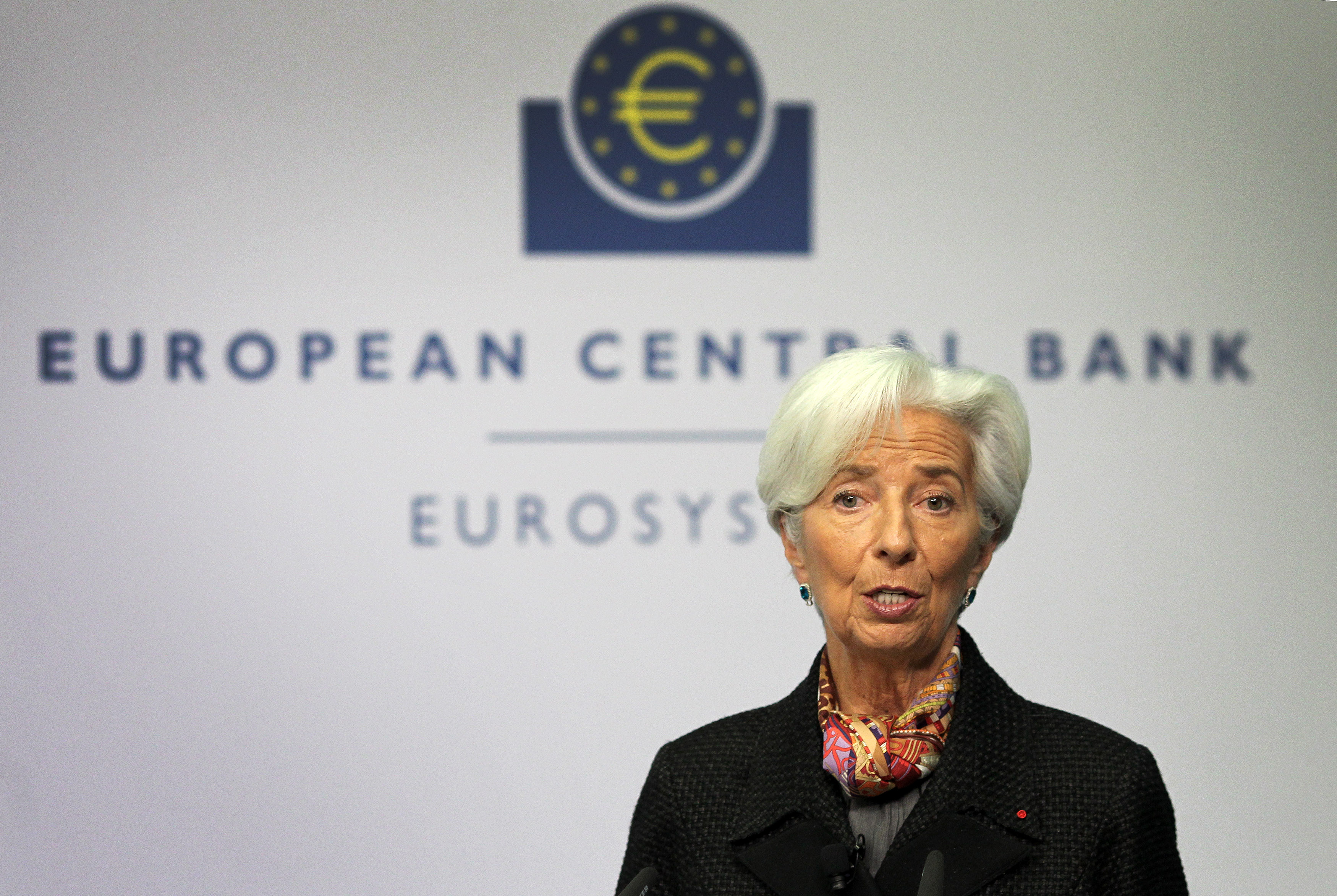 Smooth-talking Lagarde faces first ECB grilling