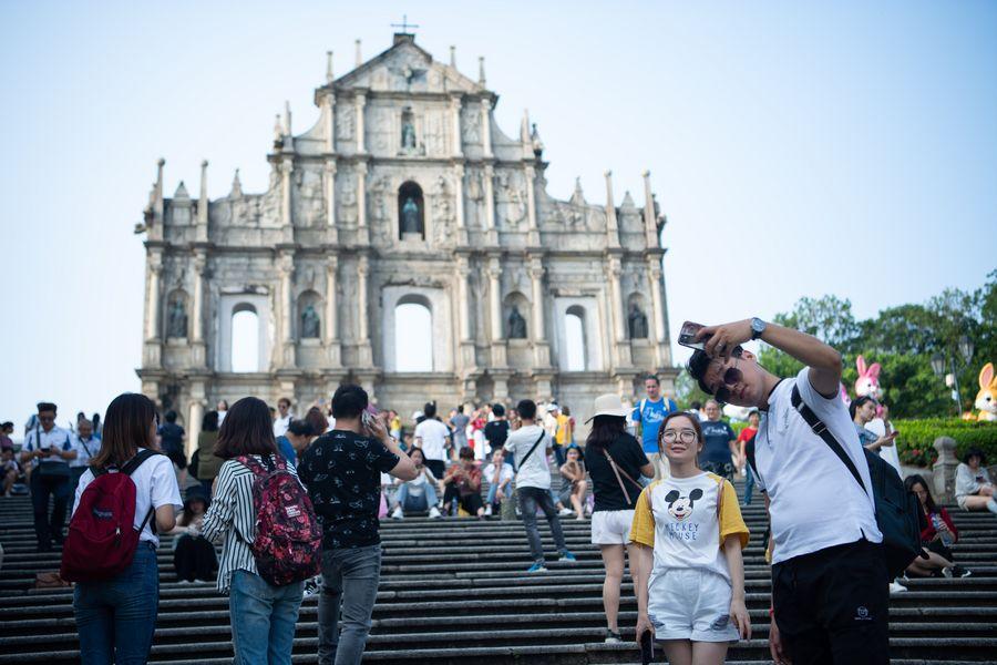 Macao shows charm of hospitality to world tourists