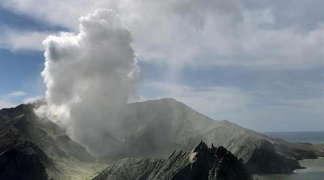 New Zealand recovery teams to retrieve bodies from volcano