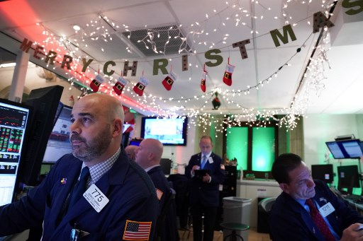 Wall Street posts solid weekly gains as US-China trade progress in focus