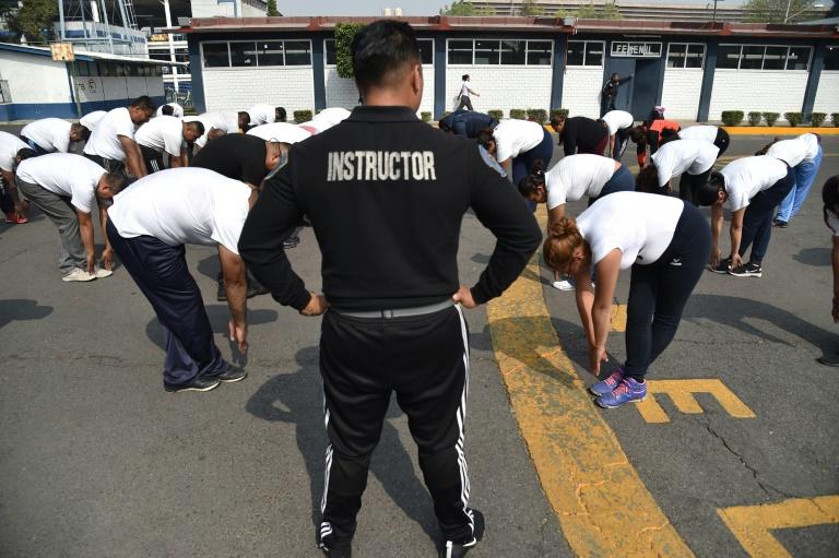 mexican cops (afp).jpg