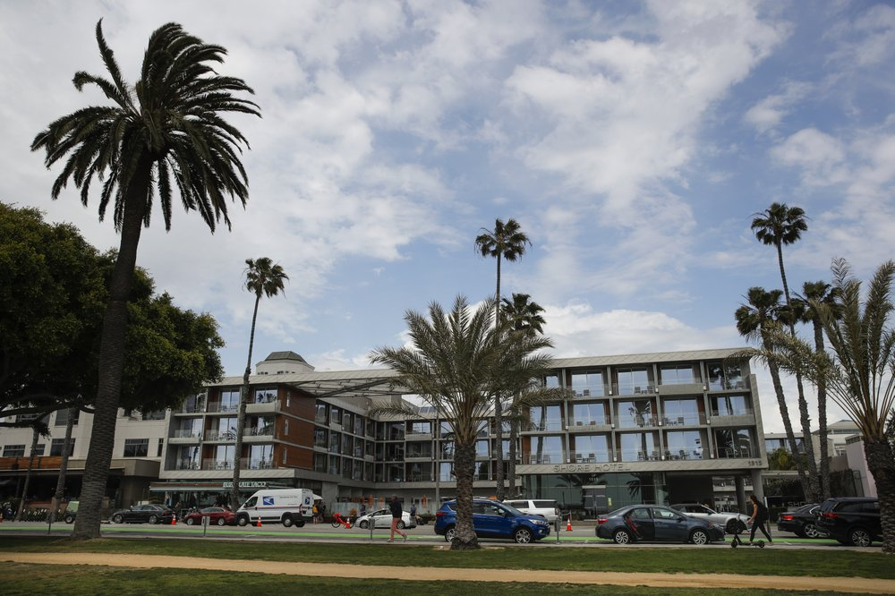 Santa Monica hotel built without permits can remain open