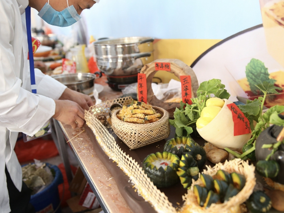 Pumpkin cooking competition in Nanchang