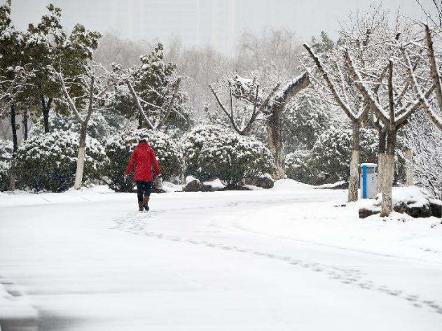 China issues blue alert for blizzard