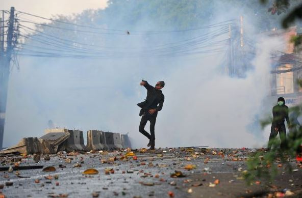 Indonesian joint security forces chase IS-linked militants