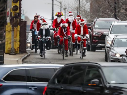 In pics: Santa Cycle Rampage in Chicago