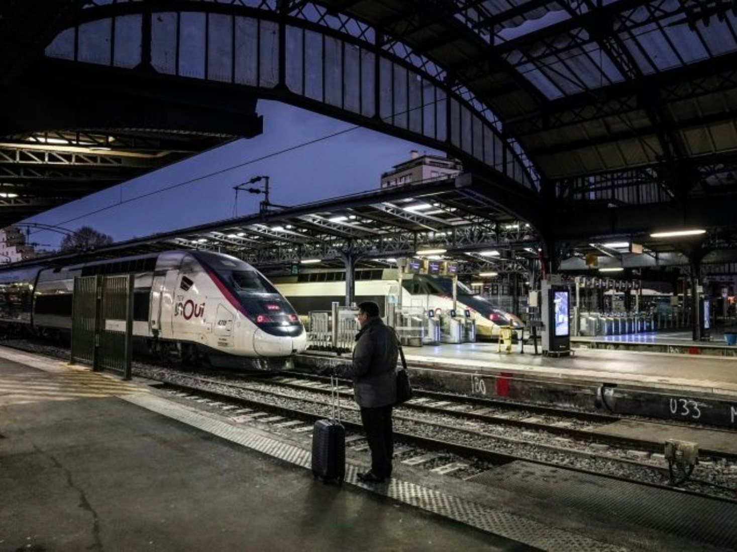 Tensions mount over French transport strike