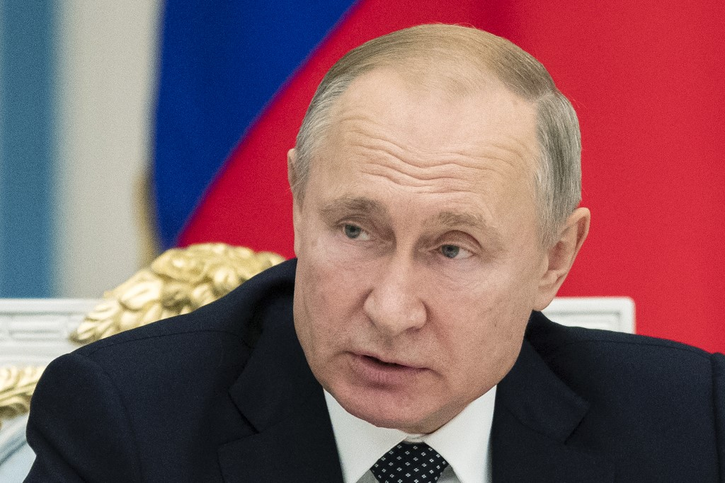 Putin says Russia arms exports worth 13 bln USD this year