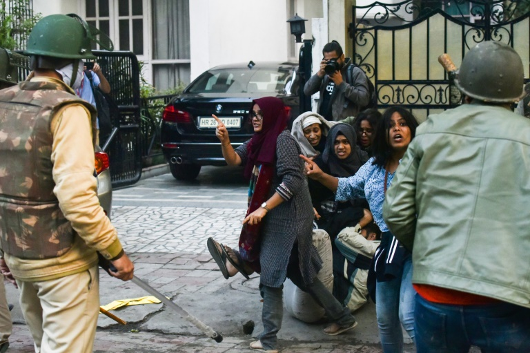 Finger-wagging Muslim women become Indian protest symbols