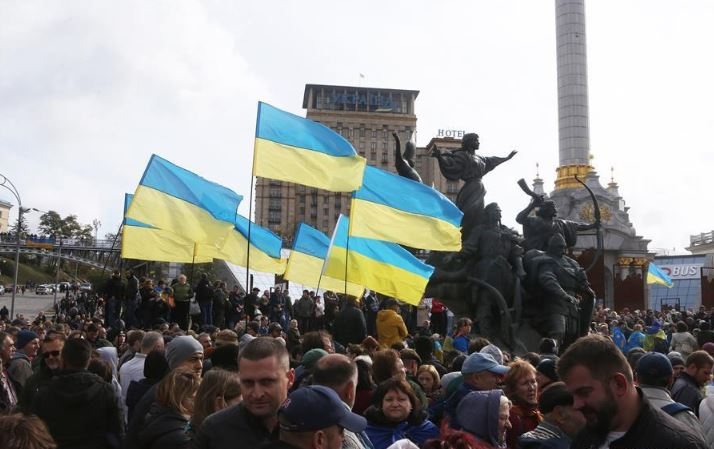 26 protesters detained, 17 police officers injured in Ukraine