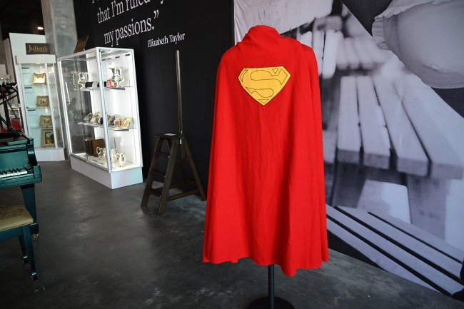 Superman's cape sells for nearly $200,000 in Hollywood auction