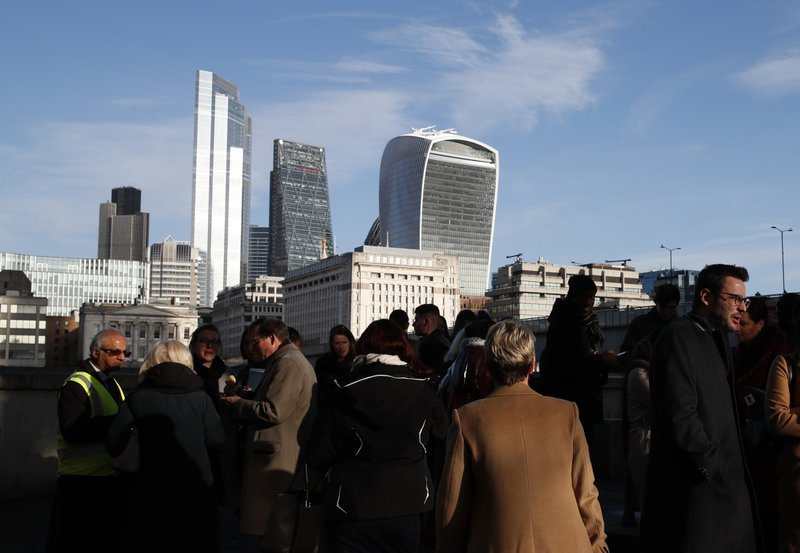 UK services industry sees little joy in post-Brexit world