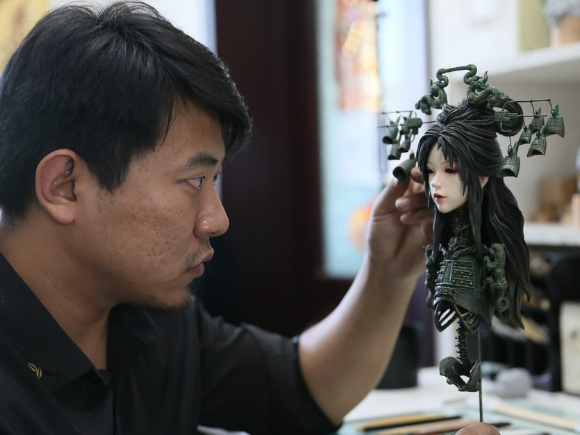 Creating anime models with Chinese characteristics