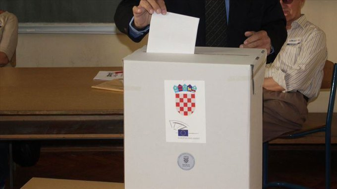 Croatia to pick a president in tight three-way race