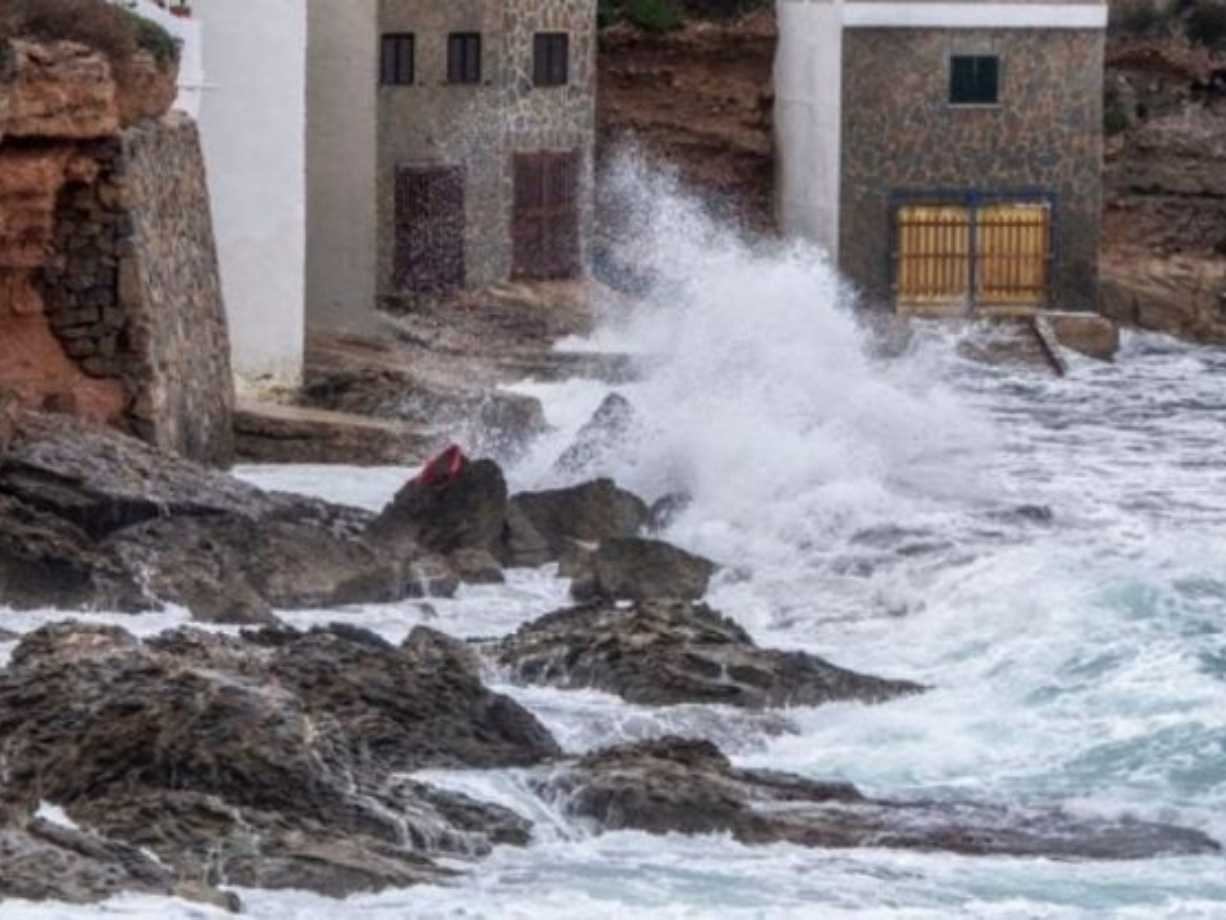 Four dead as Storm Elsa batters Spain and Portugal