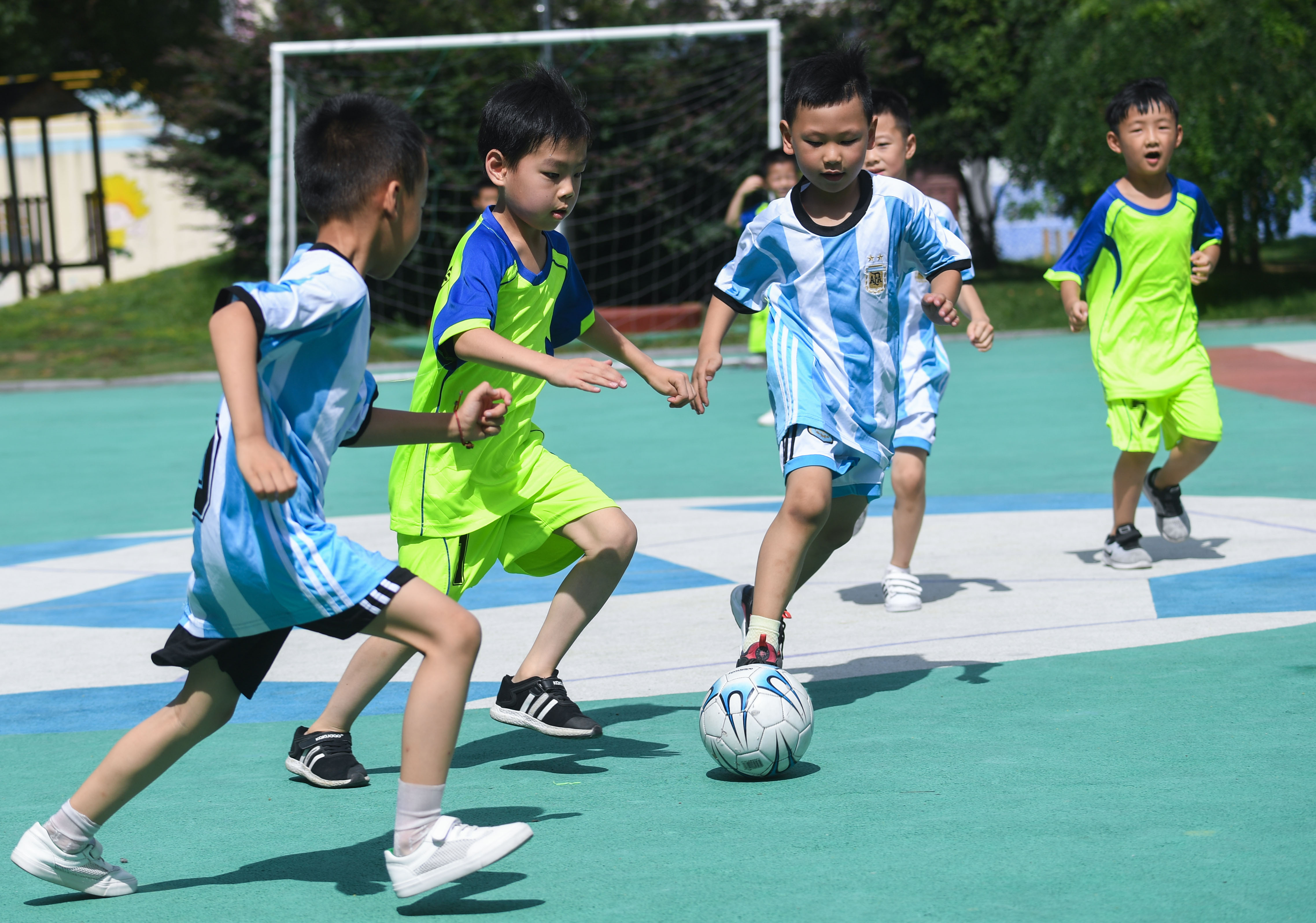 China has 27,000 schools featuring football education