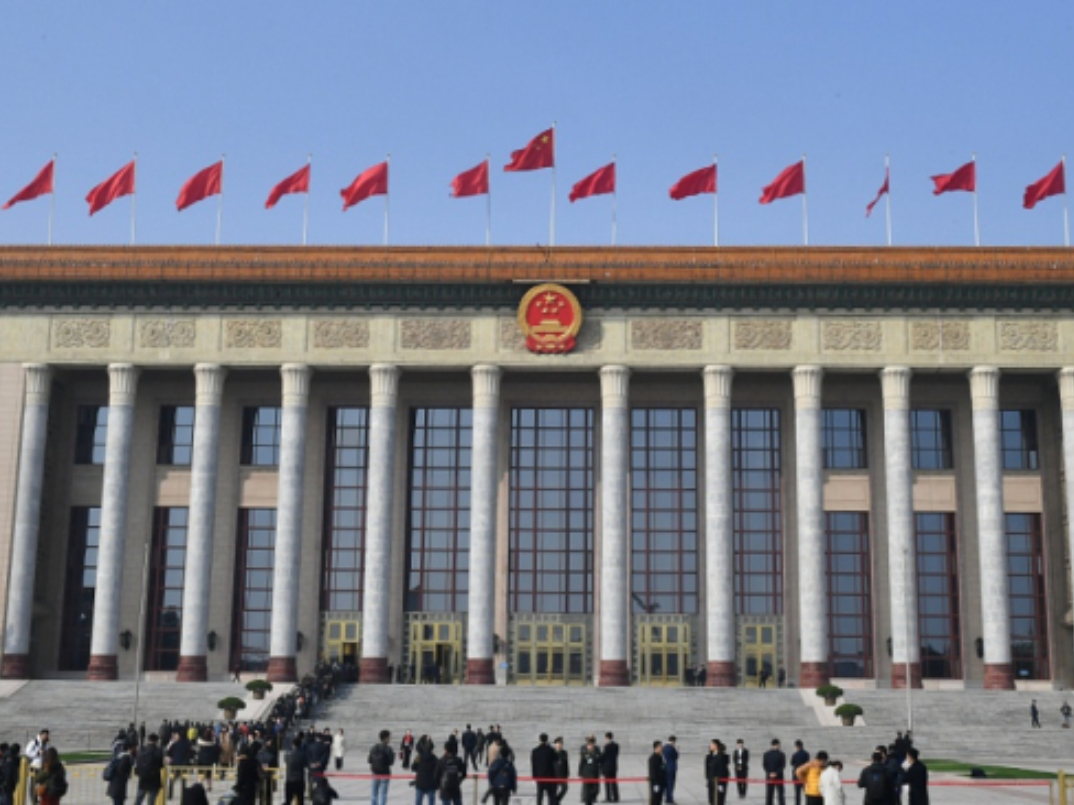 Chinese lawmakers start deliberating draft civil code