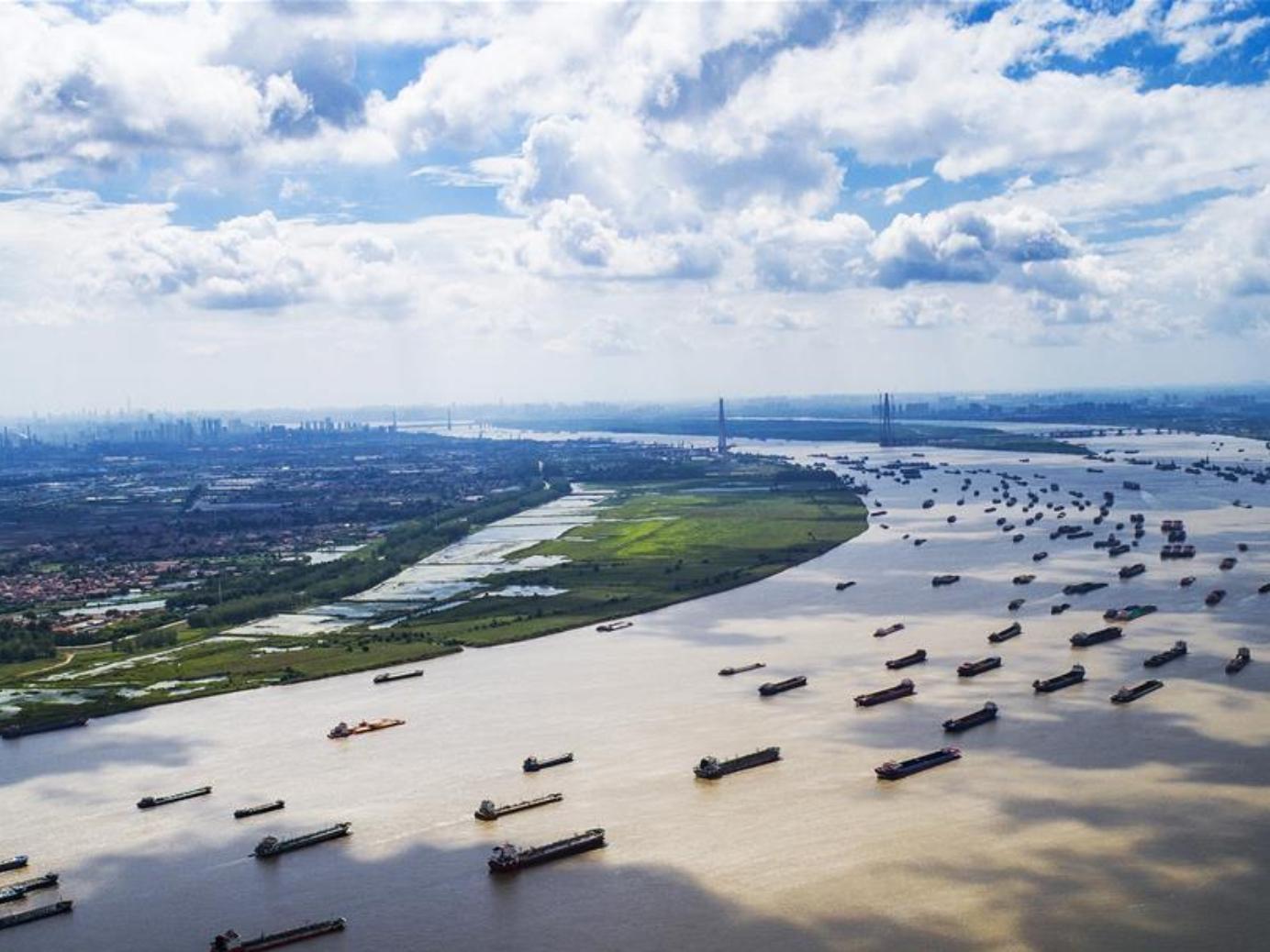 China's top legislature mulls 10-year ban on Yangtze fishing