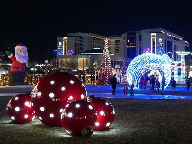 Festive lights illuminate main streets of Tashkent, Uzbekistan