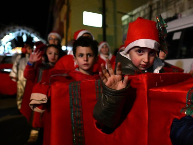 People take part in varied Christmas celebrations around world