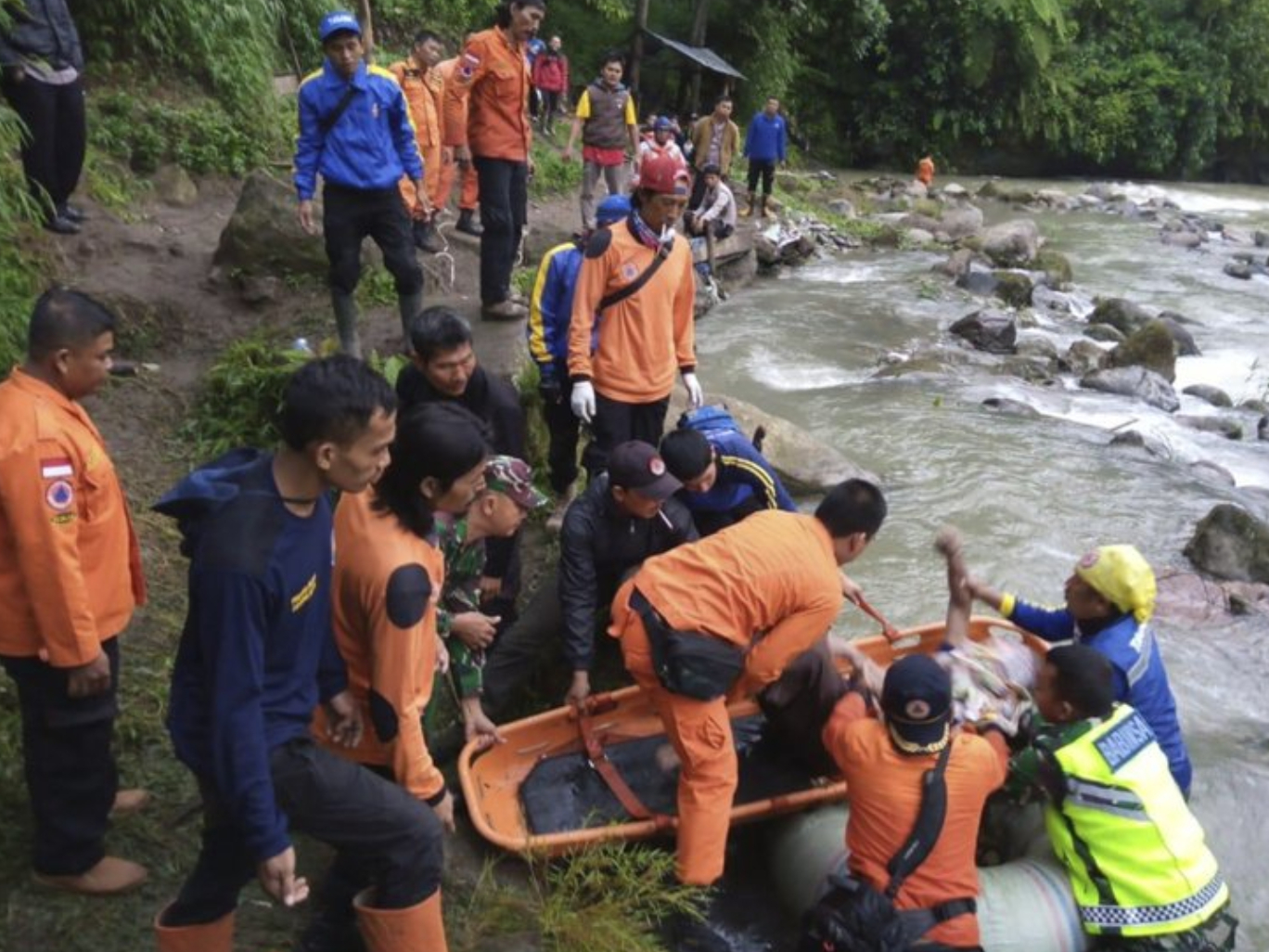 28 killed as bus plunges into ravine in Indonesia
