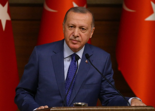 Turkish president pays surprise visit to Tunisia over Libyan issue