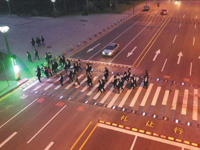 High-tech crossing keeps schoolchildren safe