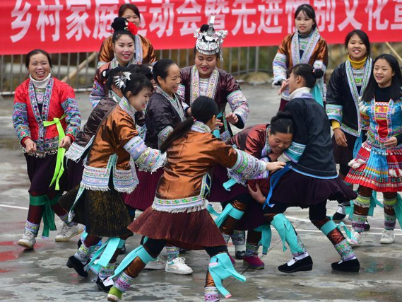 Family sports meeting organized to welcome upcoming new year of Miao ethnic group in China's Guangxi