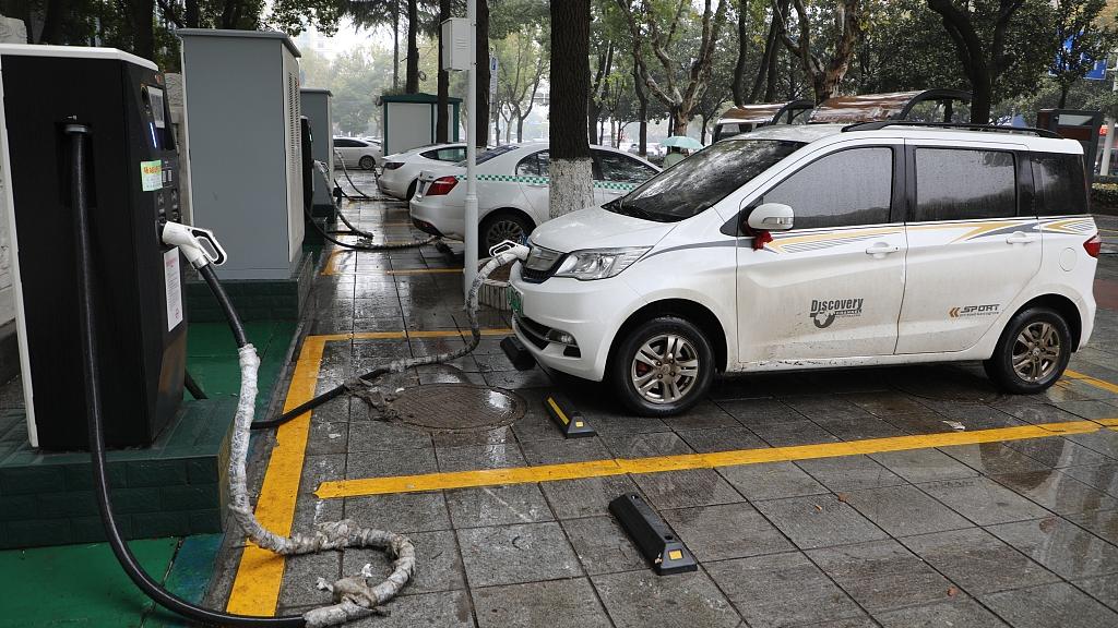 Beijing has over 200,000 electric vehicle charging piles