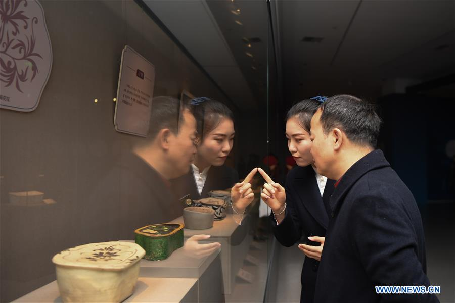 Special exhibition on Chinese pillows held at Changsha Museum, China's Hunan