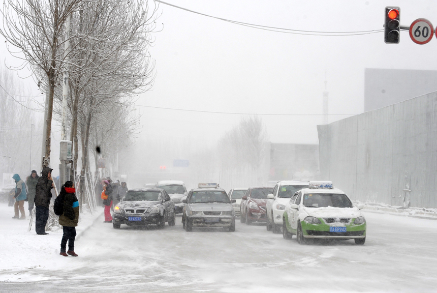 Cold front sweeps north China