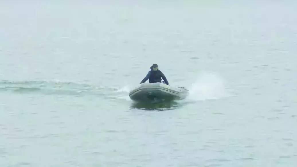 Unsung hero braves storm to rescue 7 fishermen