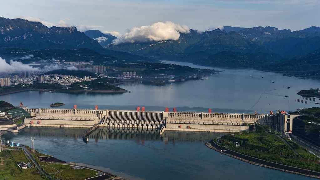 Beijing invests heavily in water diversion project's key waterhead area in Hubei