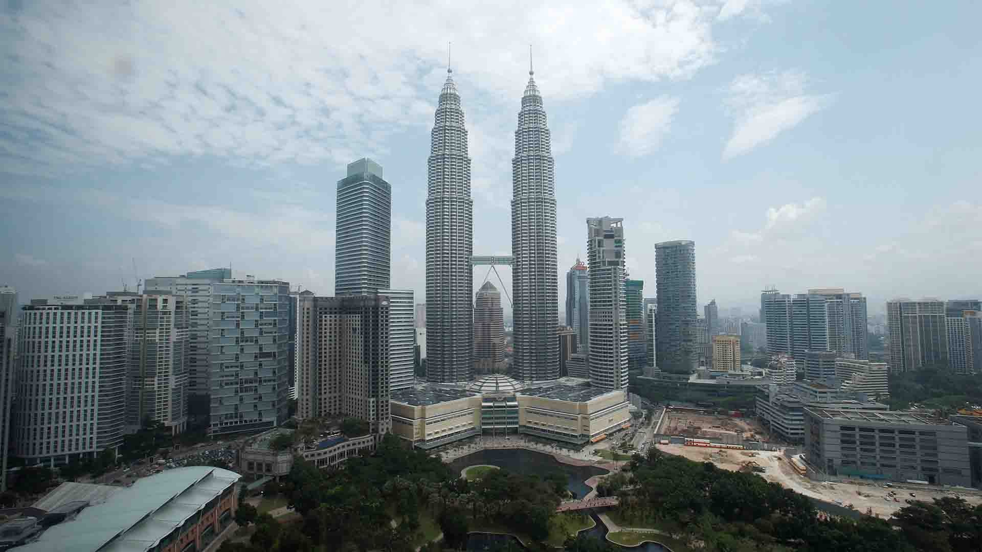 Chinese tourists can now enter Malaysia visa-free