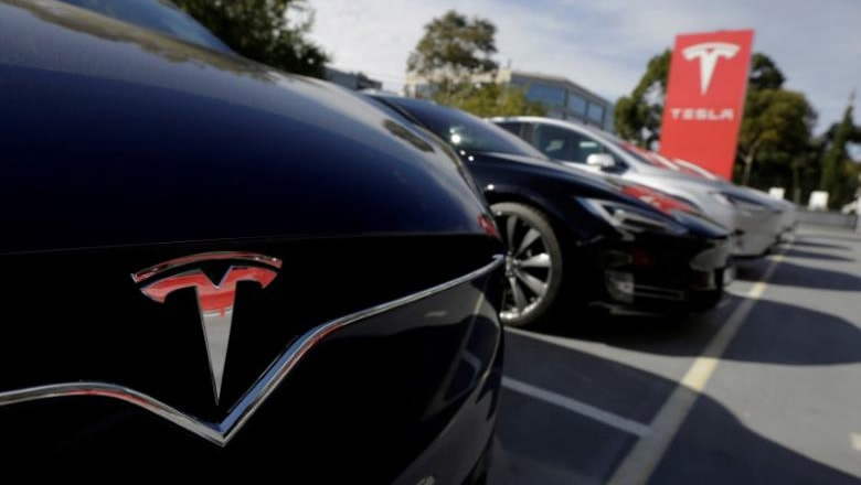 1st batch China-produced Tesla vehicles delivered in Shanghai