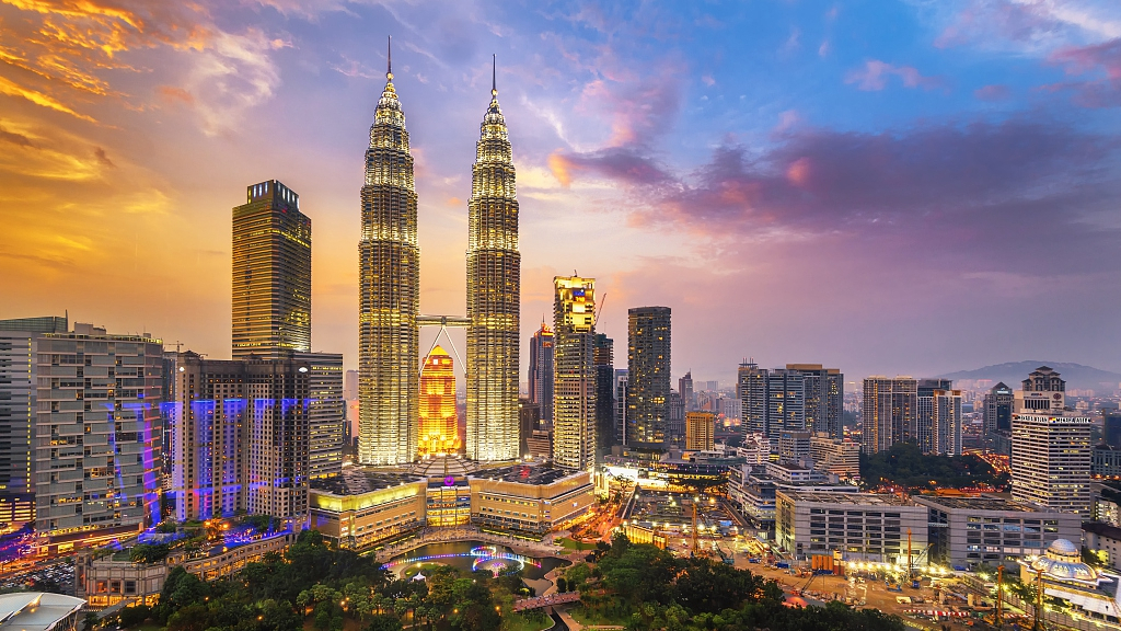 Malaysia opens 15-day visa-free travel for China, India in 2020