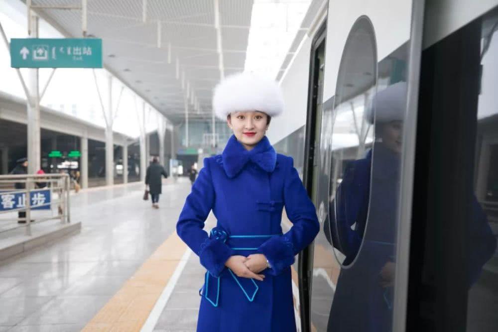 High-speed rail connects Inner Mongolia, Beijing
