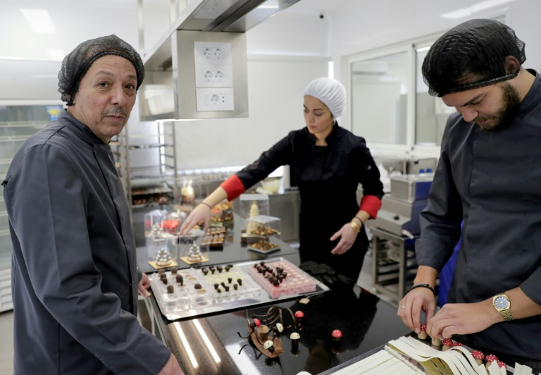 As crisis hits, Lebanese businesses fight for survival