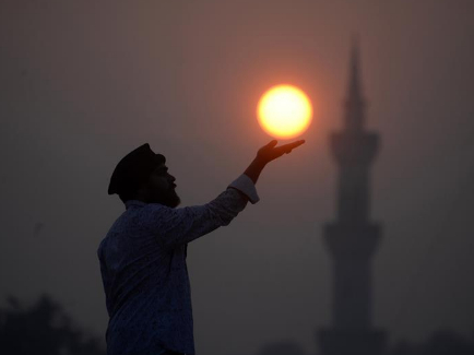 Last sunset of 2019 pictured in Pakistan