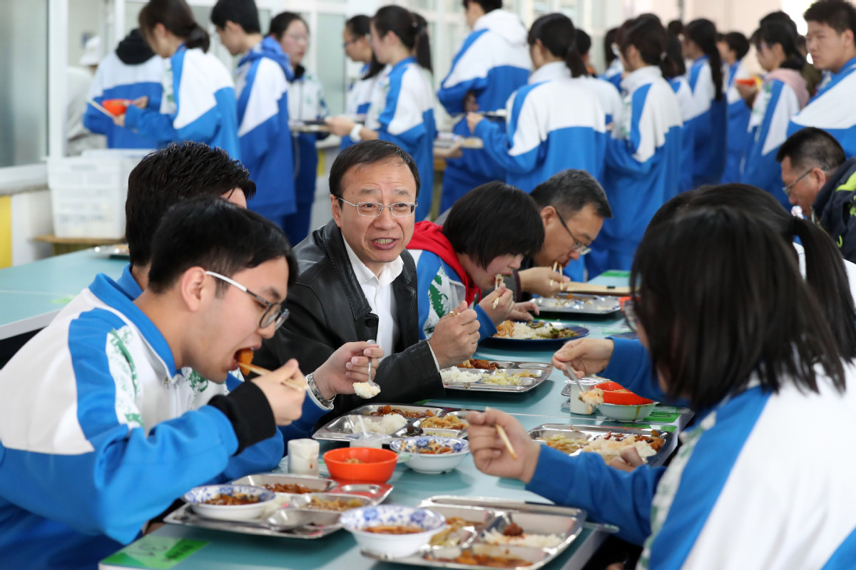 Schools advised to run self-canteens for food safety