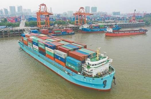 Annual cargo transport on Yangtze River sets record